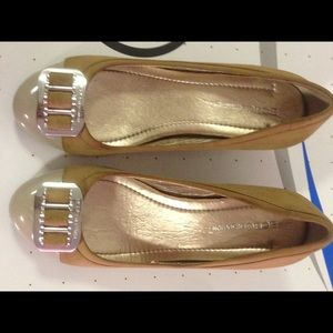 BCBG wedge platform shoes used size5 1/2